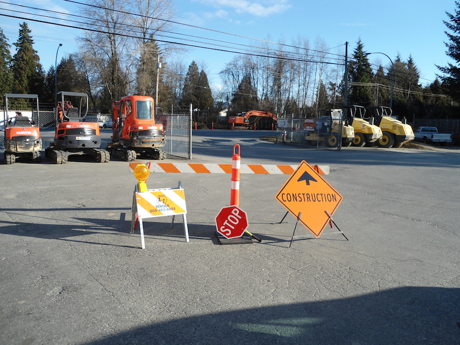 how to build traffic barricades